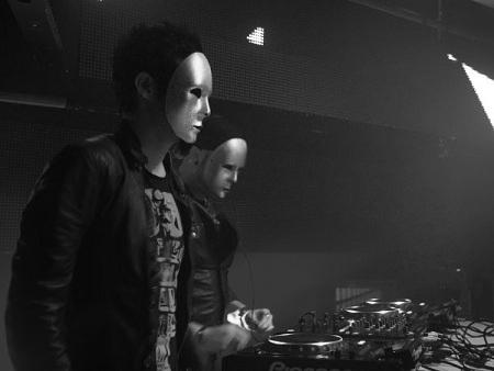 Swedish House Mafia vs. Knife Party – Antidote (MP3, Video ...